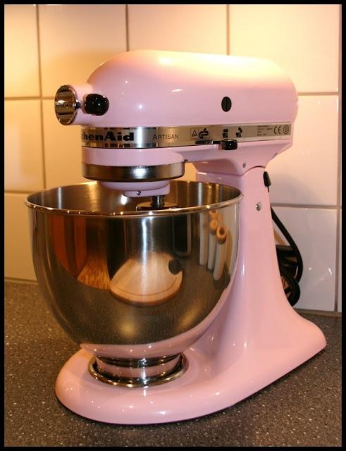 die besten 25 rosa kitchenaid mixer ideen auf pinterest mixer kitchenaid standmixer und. Black Bedroom Furniture Sets. Home Design Ideas