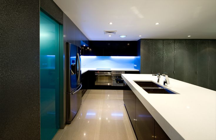 Newcastle Penthouse by Webber Architects (Newcastle AUS) #kitchenstorage #kitchendesign #interiordesign #penthousearchitecture