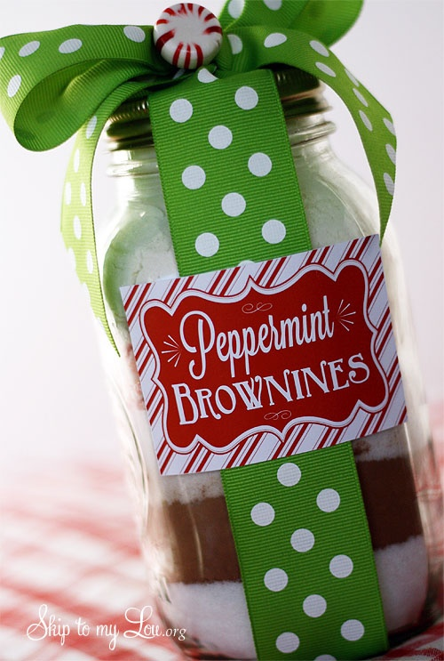 Peppermint Brownies in a jar w/ FREE printable. Great gift idea by Skip to my Lou on iheartnaptime.net
