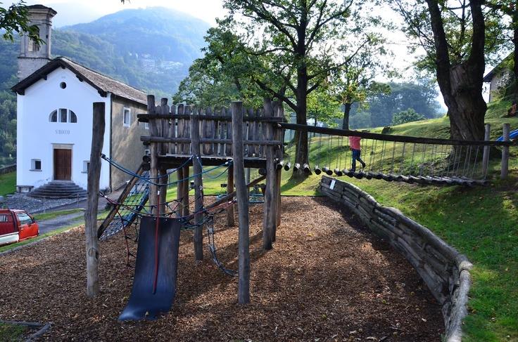 parco giochi San Rocco Lôro Giubiasco  http://parchigiochiticino.blogspot.ch/2012/09/parco-giochi-san-rocco-zona-loro.html