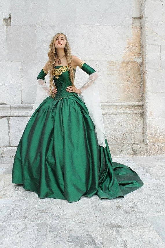 23 best More Medieval images on Pinterest | Wedding frocks ...