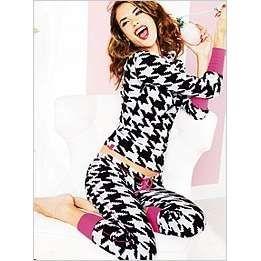 PajamasComfy Things, Style, Pjs, Victoria Secret Pajamas Pink, Secret Thermal, Secret Houndstooth, Fall Winte Fashion, Fallwinter Fashion, Fire Pit