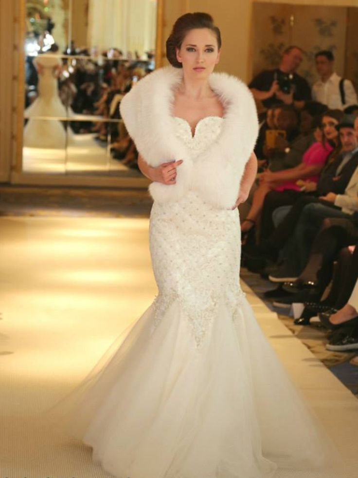 Bridal Couture in London by #mariachiodo #bridalgowns #lace #tulle