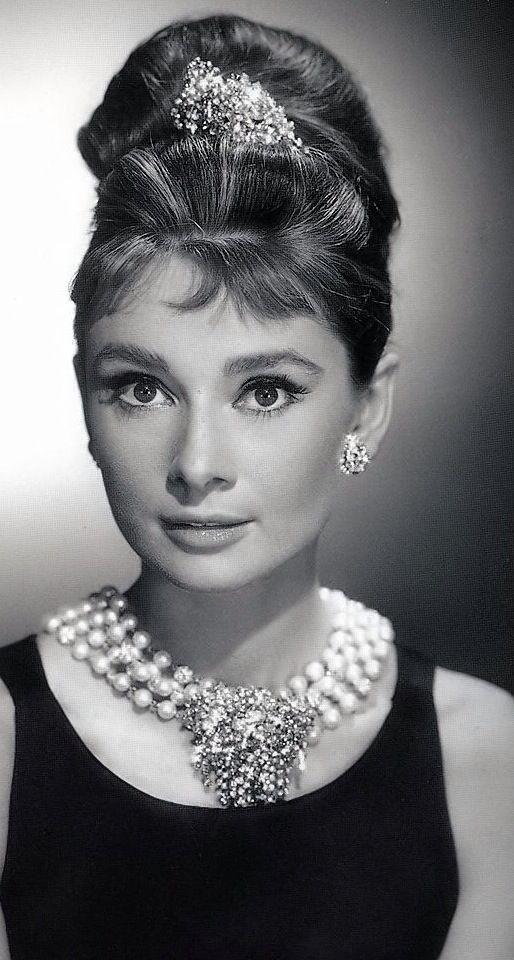 Audrey Hepburn, Breakfast at Tiffany's.                                                                                                                                                                                 More                                                                                                                                                                                 Mais