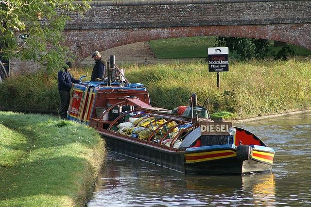 Working Boat at Braunston Turn by Dave Hamster, via Flickr