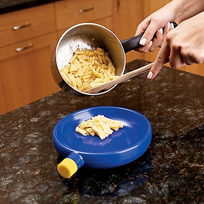 """Mac & Cool Quick Cooling Dish.  Don't make hungry kids wait! This ingenious cooling dish takes foods from """"too hot"""" to """"just right"""" in 60 seconds. Fill with one cup of water; keep in your freezer.: Mac Amp, Cool Kids, Kids Stuff, Hot Food, Quick, Dishes, 31 Products, Baby, Kids Food"""