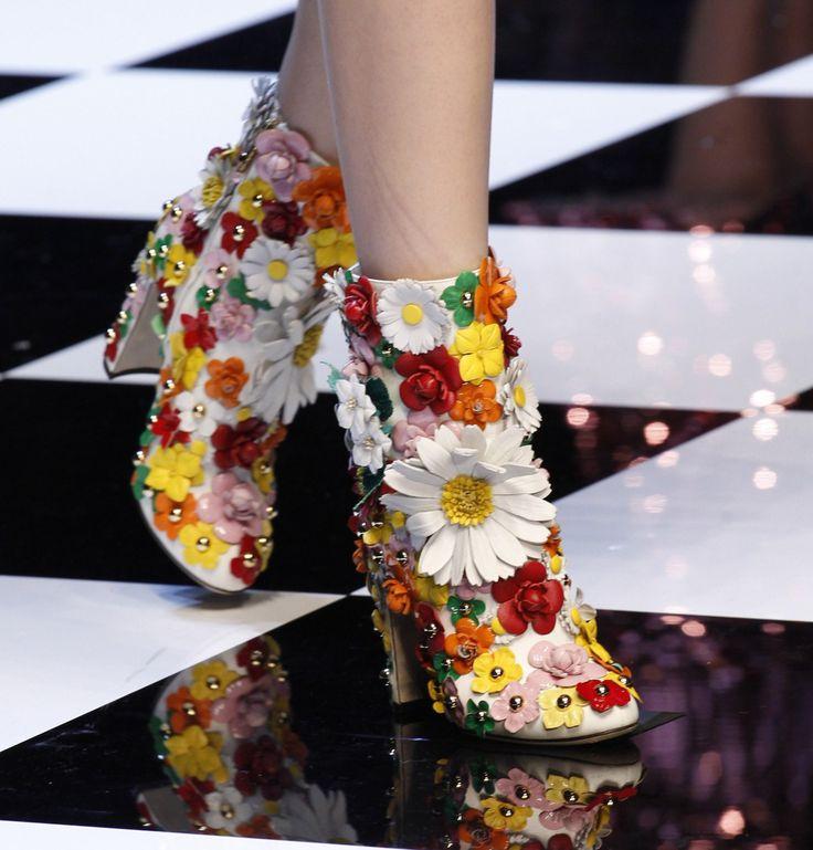 "skaodi: "" Details from Dolce & Gabbana Fall 2016. Milan Fashion Week. """