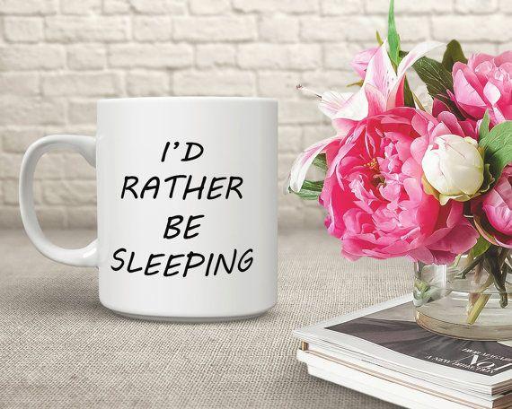 Uw nieuwe favoriete grappige collega mok of grappige Office mok daarvoor zullen dagelijkse kop van koffie worden gegoten in deze schattige kat mok. Deze prachtige, karaktervolle gepersonaliseerde schattig mok is het perfecte kopje koffie voor vrienden, familie of dat speciaal iemand (inclusief uzelf) die behoefte heeft aan een kopje koffie te krijgen die dag begonnen. Het maakt ook leuke grappige leraar mok.  {De positieve kant} + Verkrijgbaar in de maten van de immer populaire 15 oz…