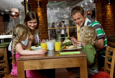 Dining options throughout the day, and a choice of take-away or family dining.