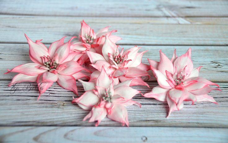 Poinsecje z foamiranu. / Foamiran flowers.