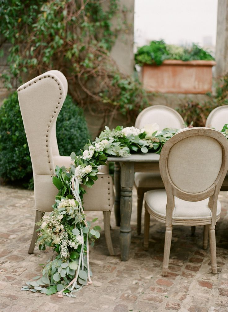 sheesh. beautiful: Galleries, Chairs, Eucalyptus Centerpieces, Bohemian Weddings, Tables Runners, Weddings Details, Styles Me Pretty, Tables Garlands, Baby Showers