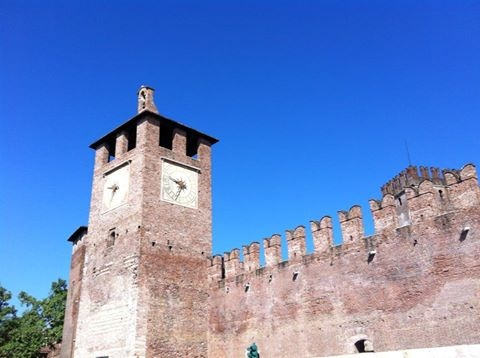 Castelvecchio Hotel Martini, Hotel Piccolo, Hotel Porta Palio www.hotelsverona.it  Tel: +39(0)45569400