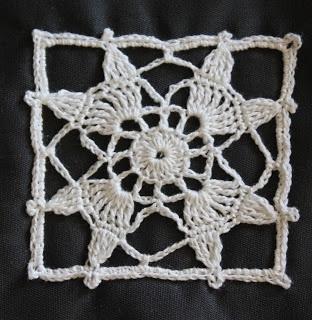 * Lepemalestvari *: My new  no pattern but so pretty!
