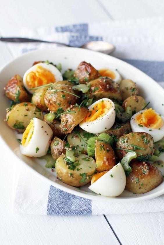 Uusien perunoiden salaatti // Salad with New Potatoes & Mustard Dressing Food & Style Tiina Garvey Photo Tiina Garvey www.maku.fi