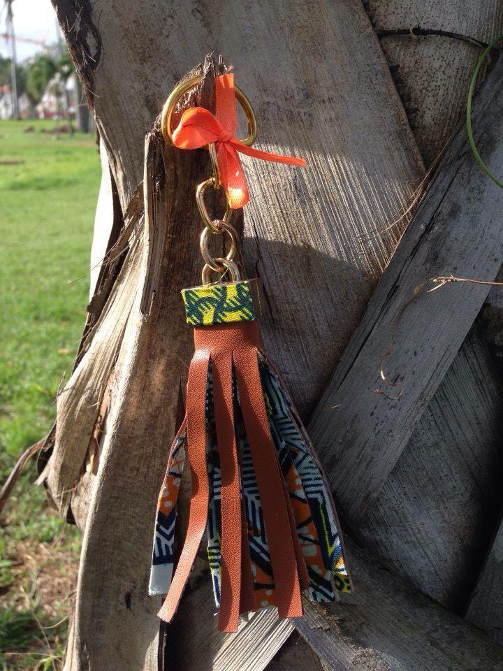 Porte clés simili cuir et wax