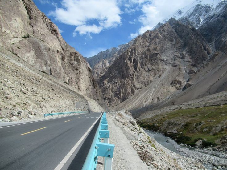 The Karakoram Highway between China and Pakistan is one of the highest paved highways in the world. From Kashgar, the Chinese section runs 290 km south to Tashkurgan.