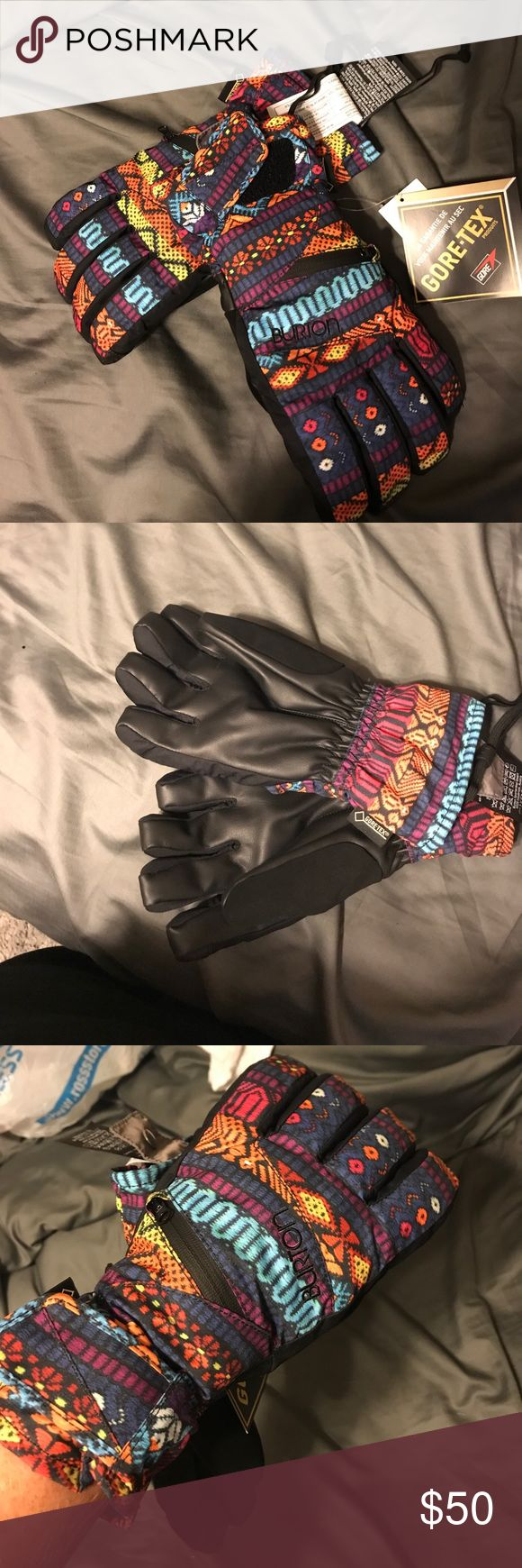 Gore-tex womens snowboarding gloves Women's size large tribal print snowboarding gloves. Never worn tags attached. (Listing matching mittens and undergloves separately) Gore-tex Accessories Gloves & Mittens