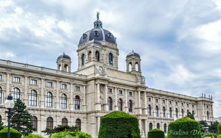 "Museum of Art History and Museum of Natural History of Vienna - the ""twins"" buildings"