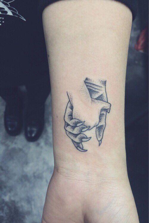 Imagem de tattoo, monster, and hands