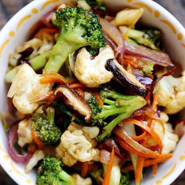 Vegetable Stir Fry with Carrots, Broccoli and Cauliflower Serves: 4 Ingredients 2 tablespoons extra light olive oil 1 medium/large red onion 2 cloves garlic A sprinkle Himalayan/sea salt 2 cups broccoli florets 2 cups cauliflower florets 1 medium carrot 5 fresh shiitake mushrooms 1 large bok choy 2 tablespoons & 1 teaspoon low sodium soy sauce 2 tablespoons cornstarch 1 tablespoon white cooking wine 1 teaspoon sesame oil 1 teaspoon rice vinegar (or apple cider vinegar) 1 teaspoon tahin...