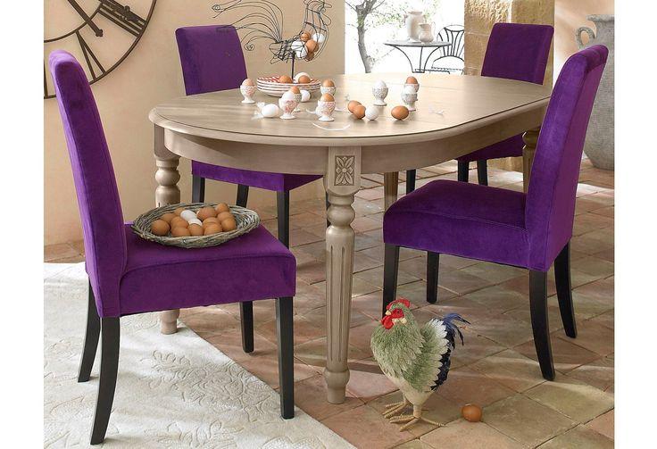 Ausdrucksstarker Esstisch aus FSC®-zertifizierter, massiver Pappel und MDF. Einzige Ausnahme: Die Farbe french antik wird in massiver Buche und MDF gefertigt.  Ein eleganter Holztisch, der jedem Raum eine extravagante Note verleiht.  Der Tisch ist ausziehbar und kann mittels der Einlegeplatten von 110 cm auf eine maximale Größe von 190 cm vergrößert werden.  Dieser Tisch hat eine perfekte Größe...