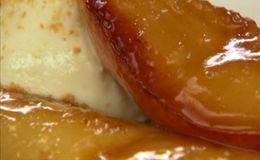 Receita de peras caramelizadas do chef Chuck Hughes.