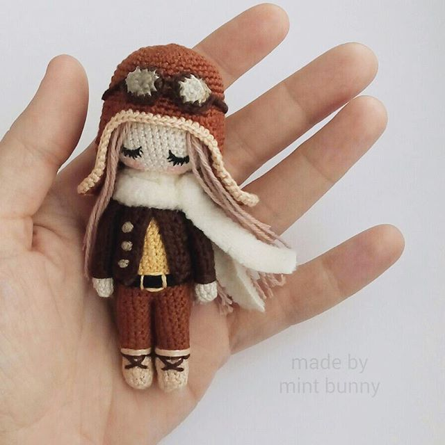 Amigurumi mini pilot girl doll. ♡ (Inspiration).