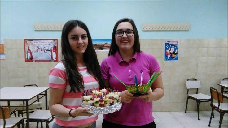 FRUIT BROCHETS - María Clavero and MªIsabel Jiménez