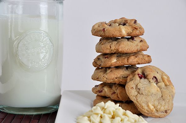 White Chocolate Cranberry Pecan Cookies | dessert picture hoarder's h ...