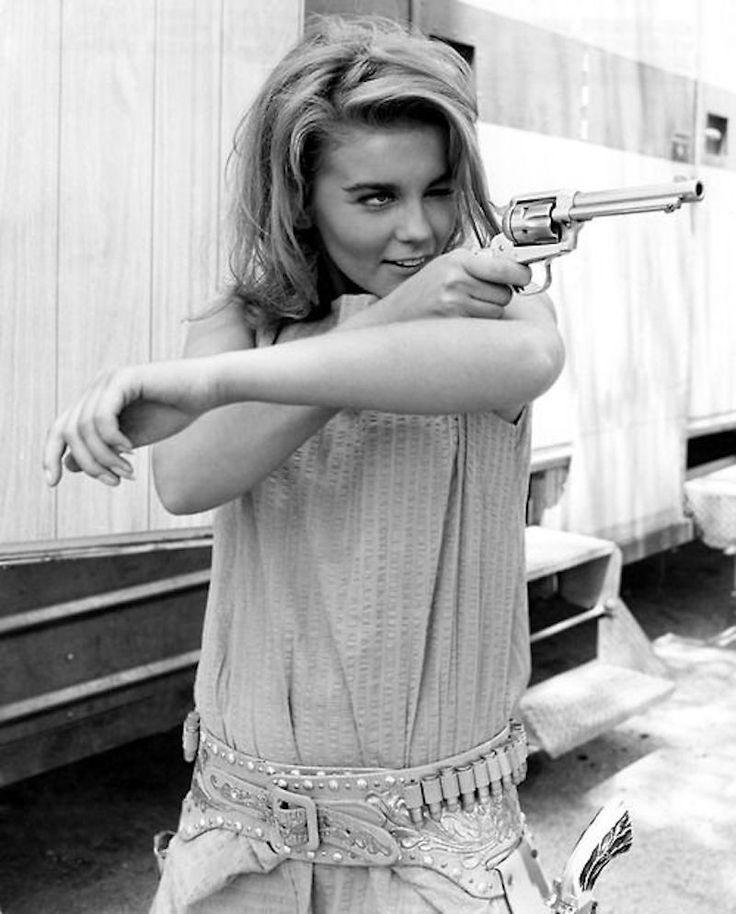 Bandit Babes of the Wild West - Ann Margaret shootin' em up in Viva Las Vegas (1964)