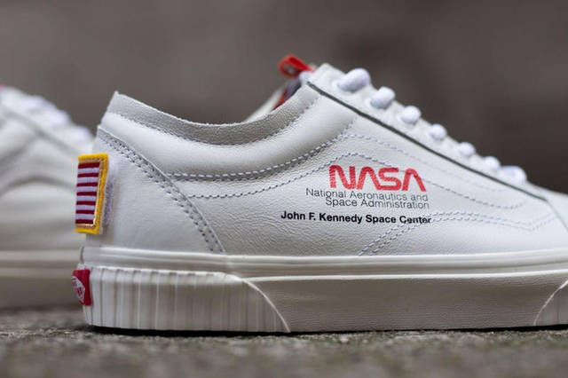 Gros Plan Sur La NASA x Vans Old Skool
