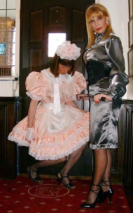 слюной госпожа и служанка любовницы свою очередь