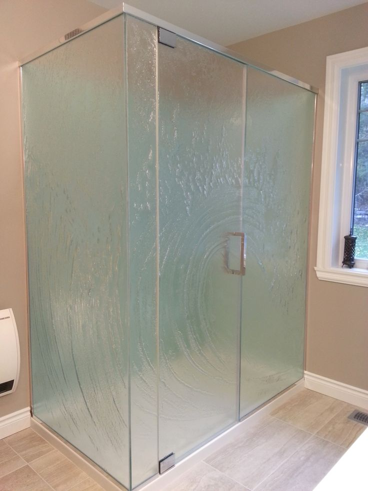 Une douche en verre thermoformé/ A thermoforming glass shower done by Verre Design