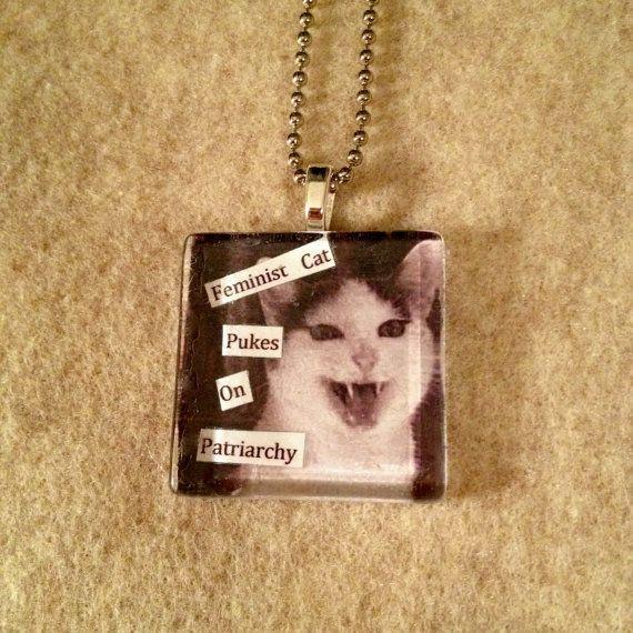 Feministische Katze kotzt auf Patriarchat Glas Fliesen Anhänger