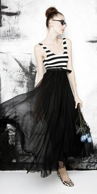 alice + olivia.  ok i might be going overboard with the stripes now, but it is just made SO EASY these days.