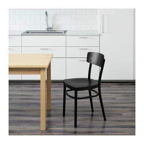 IDOLF Stolica IKEA Zahvaljujući oblikovanom naslonu, sjedenje je udobnije.