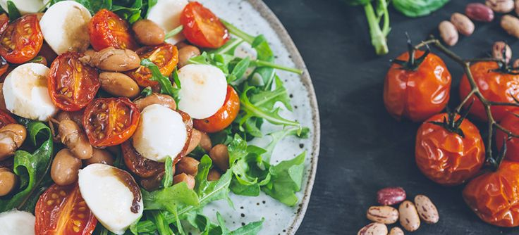 Tomato borlotti bean and rocket salad is a delightfully fresh and colourful salad bursting with flavour and high in fibre.  A great salad to complement your favourite main.