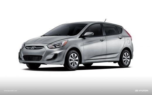 2017 Hyundai Accent Hatchback Front View