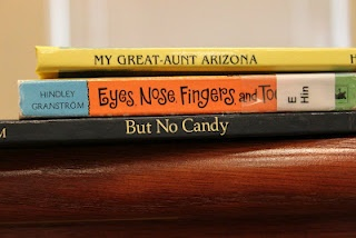Book Spine Poetry - Such a neat idea!Classroom Freebies, Schools Ideas, Book Spine, Schools Libraries, Spine Poems, Loco Teachers, Teachers Book, Spine Poetry, Classroom Ideas