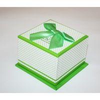 Farklı farklı renklerde hediye kutular için tek adres www.hediyekutucu.com