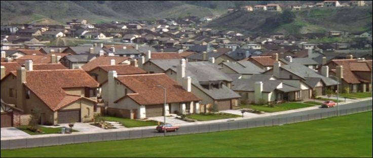 View of a typical Southern California neighborhood in the 80s. Oh the memories.