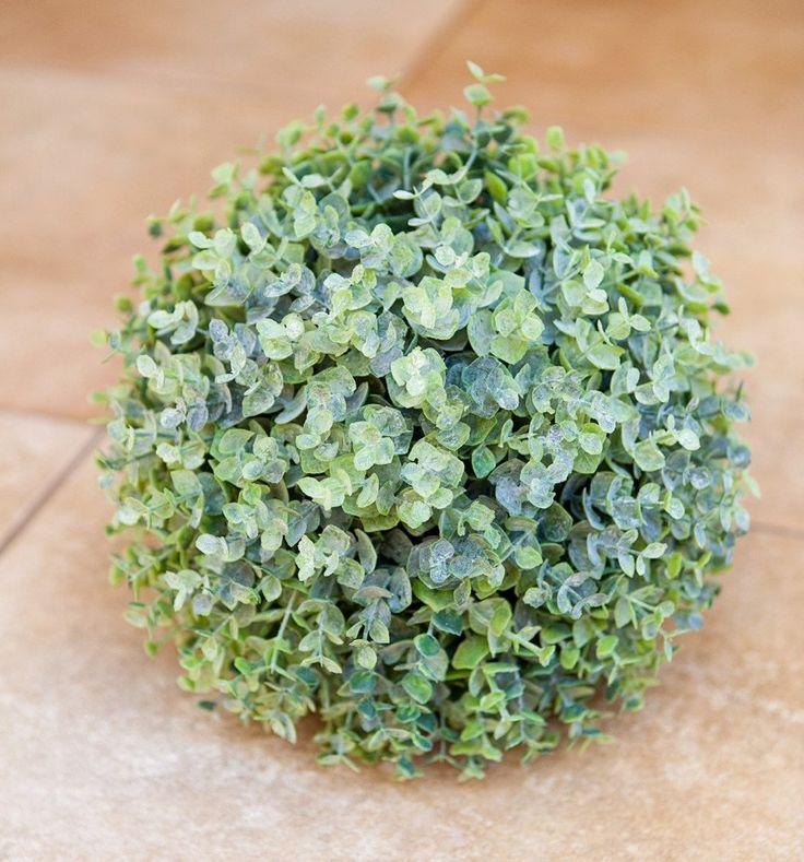 Myrtle Ball 25cm