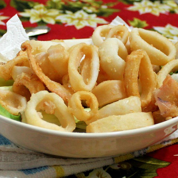 Gli anelli di calamari sono estremamente morbidi dentro e croccanti fuori, fritti ma asciutti e leggeri grazie ad un ingrediente speciale.