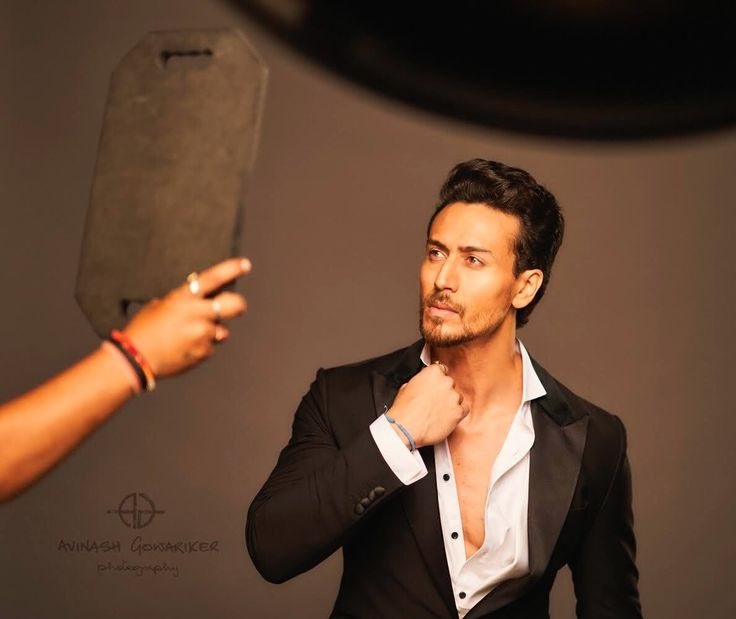 New look from Tiger Shroff out