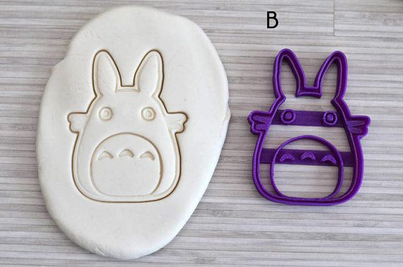 Make delicious cookies using this cute Totoro cookie cutter   The big one (A) measures approx 6x8cm (2.35 x 3.15) The medium one (B) measures approx. 6x8cm (2.35 x 3x15) The small one (C) measures approx 4x6cm (1.57 x 2.36)  Our cookie cutters are made from PLA, biodegradable plastics derived from renewable resources such as cornstarch, with a 3D printer.  ✓ Each item is made to order. We personally check them so that you are fully satisfied.  ✓ dies can be of a different colour from the one…