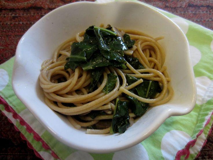 Deliciosa y nutritiva  pasta de col rizada y champiñones