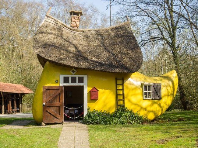 Home Boot In The Netherlands Casas Casas Diferentes Casas De Fadas
