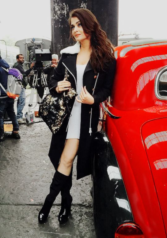 "areyoulikecheckingmeout: "" ""Aishwarya Rai behind the scenes of 'Ae Dil Hai Mushkil' "" """
