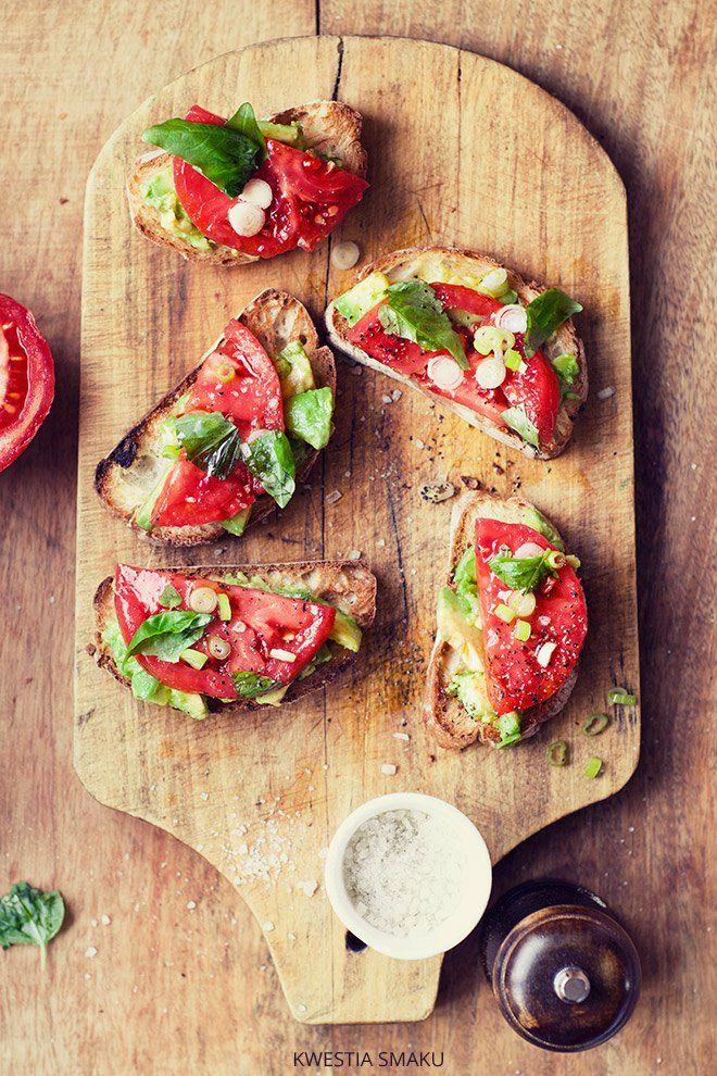Kanapka awokado pomidor