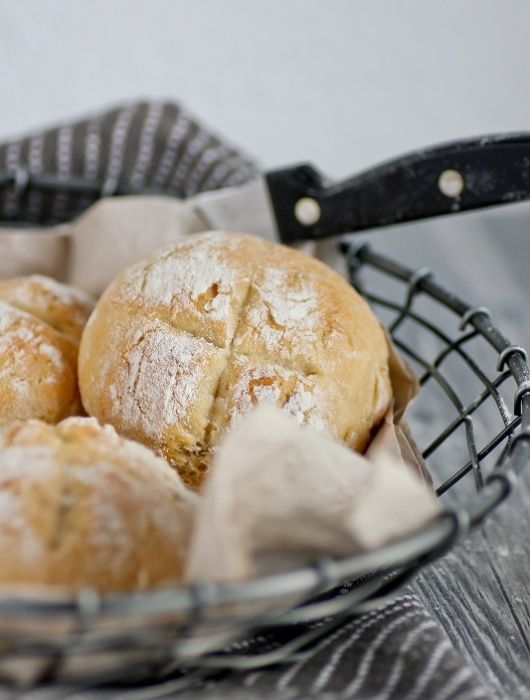 Brötchen schnell selbstgemacht ohne Vorteig | Bread for breakfast without long waiting